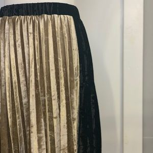 Black/champagne velvet accordion circle skirt